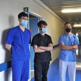 Sette medici a caccia del virus direttamente nelle case dei malati VIDEO