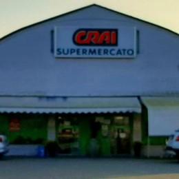 Strade deserte per il coprifuoco, ladri al supermercato