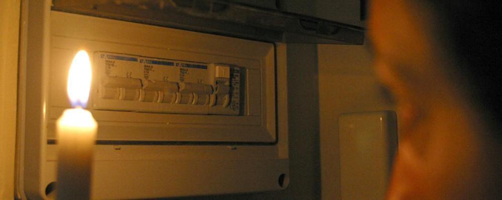 Strade e case senza corrente, una notte di disagi a Castiglione