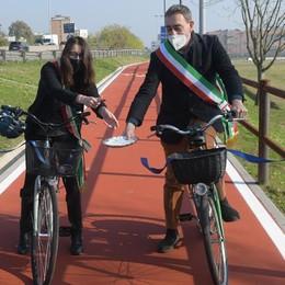 Taglio del nastro per la nuova pista ciclabile tra San Donato e Peschiera