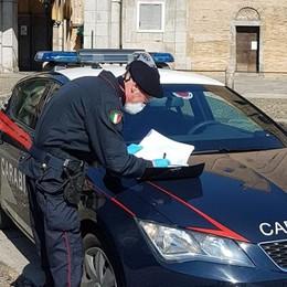 Serve ai tavoli, gestore di Casale multato e bar chiuso dai carabinieri