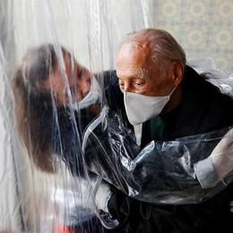 """Gli anziani abbracceranno i loro parenti: una""""casa"""" speciale nella Rsa di Codogno"""