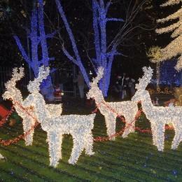 Melegnano, la casa di Babbo Natale s'accende solo nei giorni feriali