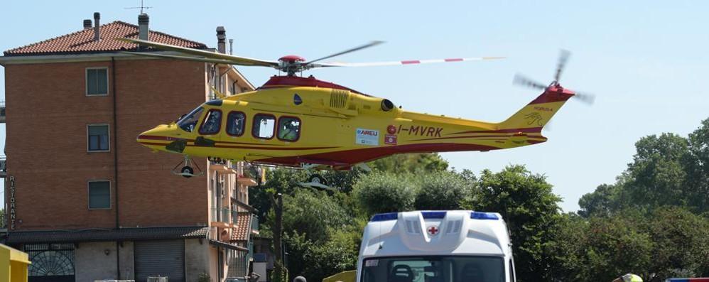 Quartiano, grave incidente sul lavoro: operaio cade da quattro metri