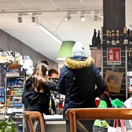 A Lodi bar e locali rimangono deserti: «Oggi qui non è entrato nessuno»