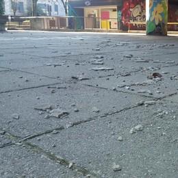 Nuovi crolli al cavalcavia di viale Europa a Lodi: «Presto i lavori»