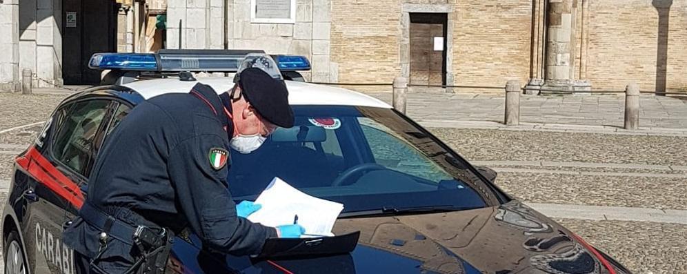 In cinque in auto con la cocaina: ancora denunce per persone in giro senza motivi urgenti