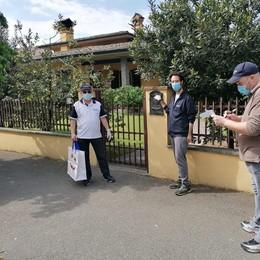 A Maleo i volontari della Combattenti distribuiscono 3.100 mascherine