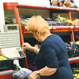 San Colombano: «Alcuni beni di prima necessità esclusi dai buoni del Comune»
