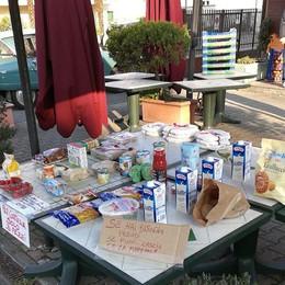 A Lodi tavolini solidali lungo le strade con prodotti per chi ha bisogno