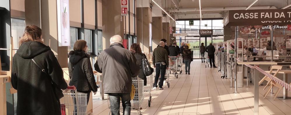 Il lockdown fa male anche ai supermercati: parte la cassa integrazione