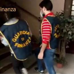 """Ottiene 13mila euro di aiuti dal Comune ma ne guadagna 800mila dalla Cina: maxisequestro per un """"liutaio"""""""