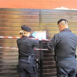 Trovato morto in casa a San Colombano, la casa sotto sequestro