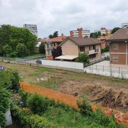 Un parcheggio e un'area verde sul terreno dell'ex Enel di Melegnano