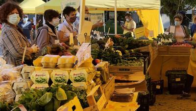 Anche in piazza Omegna riprende il mercato
