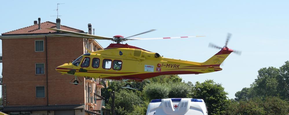 CASALPUSTERLENGO Sbalzato a terra dopo lo scontro, ferito motociclista 17enne