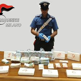 In casa dei pusher arrestati a Peschiera dieci chili di coca e contanti per 200mila euro