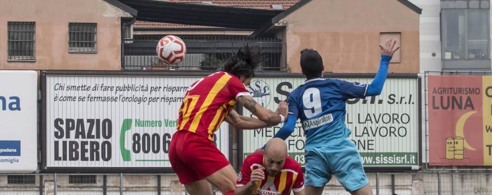 Calcio, anche in Serie D nomi sulle maglie e numeri fissi