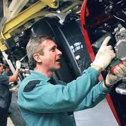 Economia, a picco le immatricolazioni auto