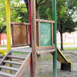 """Paullo, le """"fototrappole"""" nei parchi per fermare i vandali e gli spacciatori"""