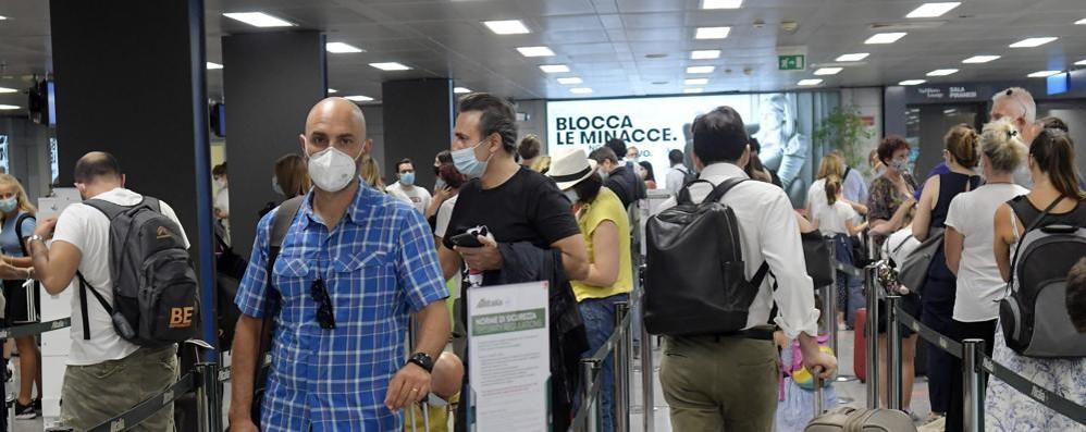 Alitalia riporta 50 voli da Malpensa, per Linate primo week end quasi normale FOTO E VIDEO