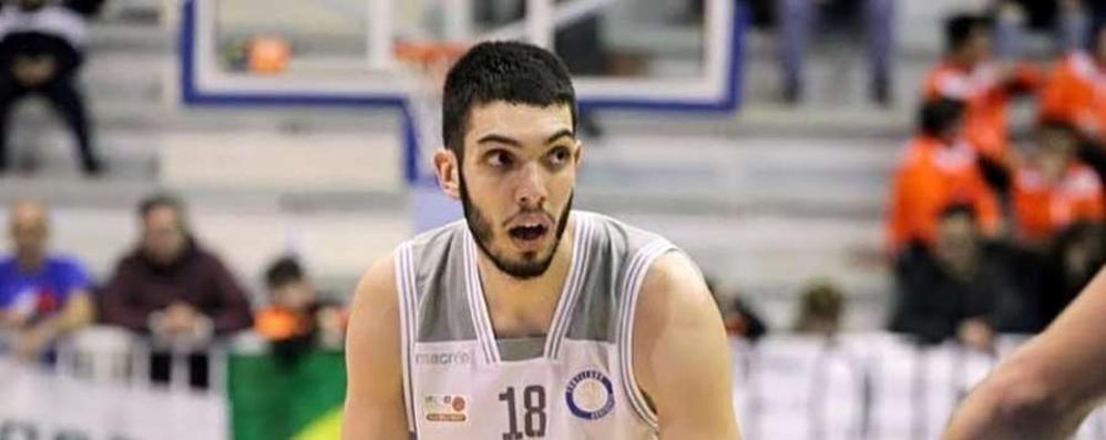 """Basket, all'Assigeco la """"torre"""" Guariglia"""