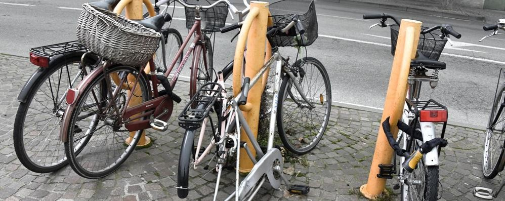 Codici impressi sui telai delle biciclette per incastrare i ladri