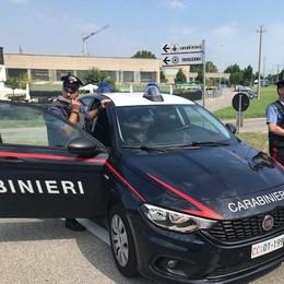 I ladri in fuga speronano l'auto dei carabinieri