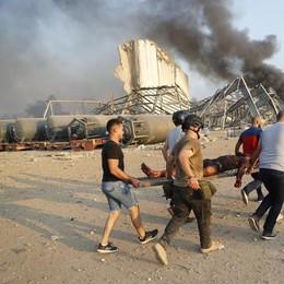 Scoppia l'inferno al porto di Beirut: più di 100 morti e migliaia di feriti VIDEO