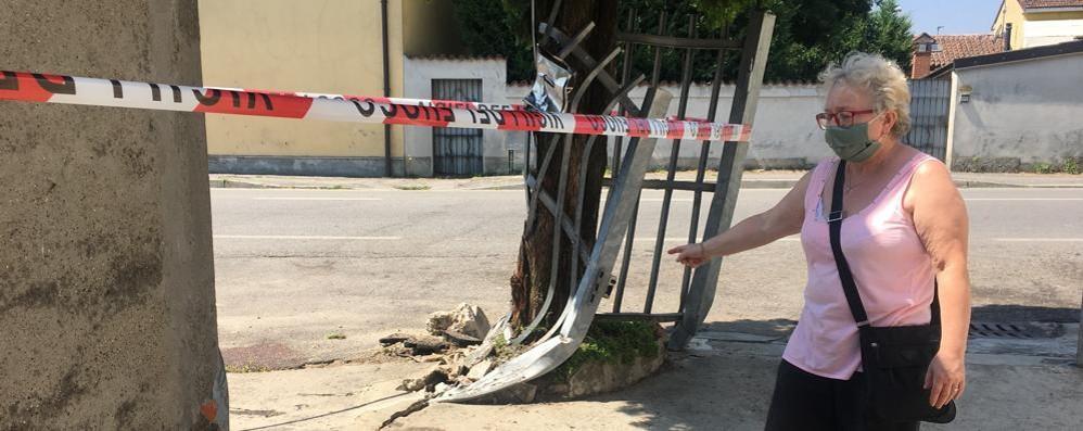 ZORLESCO Tremendo schianto contro un albero nella notte, muore un 22enne