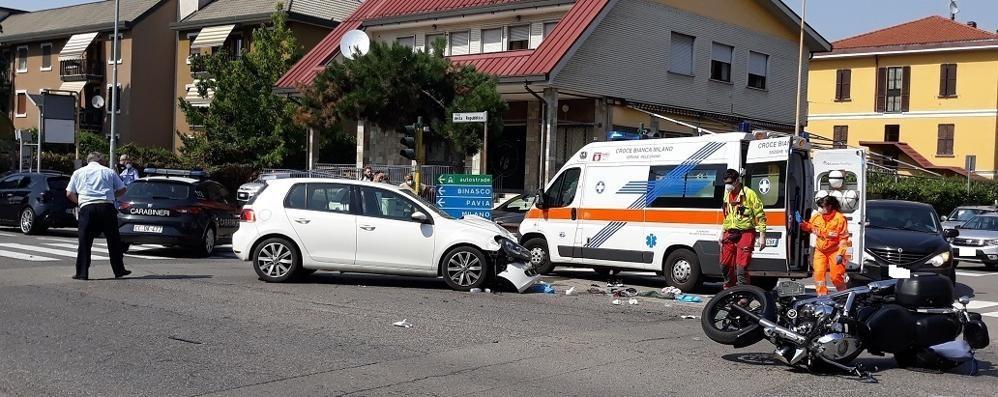Scontro auto-moto a Melegnano, un 51enne in ospedale