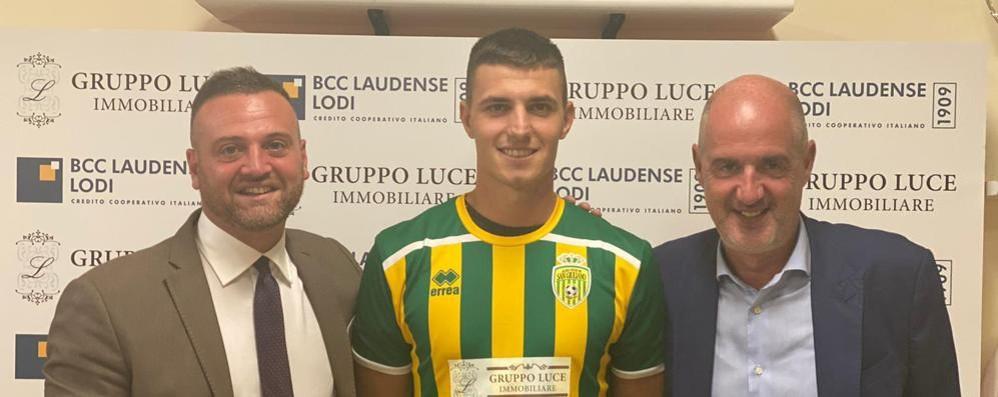 Calcio, il Sangiuliano blinda la difesa con l'ex fanfullino Zanoni