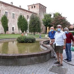 MELEGNANO Fontana guasta da metà agosto: «Così salviamo i pesci in acqua»