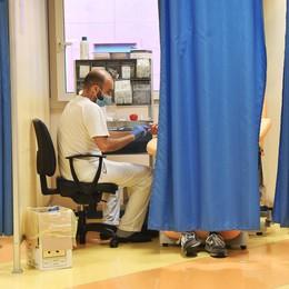 Uno su quattro a Castiglione è stato a contatto con il virus