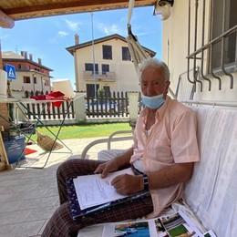 VIDARDO Il gallo Carlino canta in cortile, multato il proprietario 83enne
