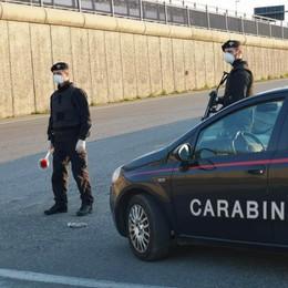 Cerca di resistere al rapinatore: paura nella notte a Sant'Angelo per un 42enne