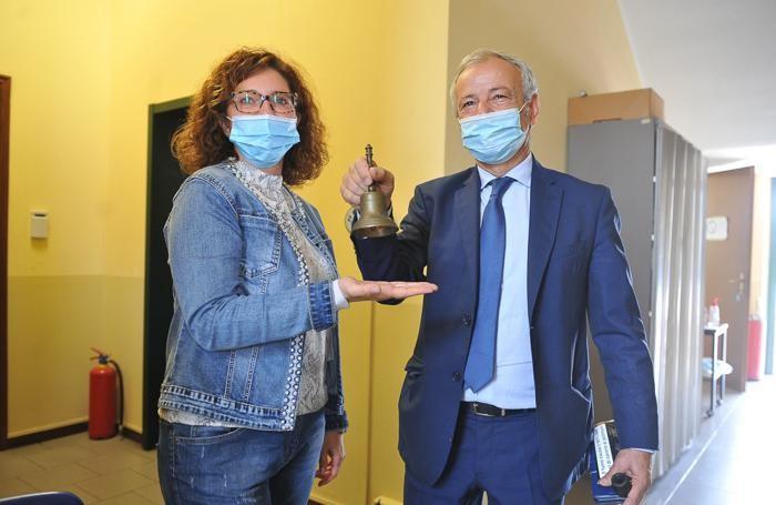 La neo eletta Moira Rebughini con il sindaco uscente Nicola Buonsante