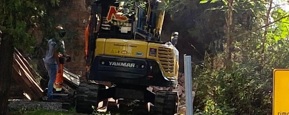 LODI Parte finalmente la demolizione della cabina elettrica di piazza Zaninelli VIDEO