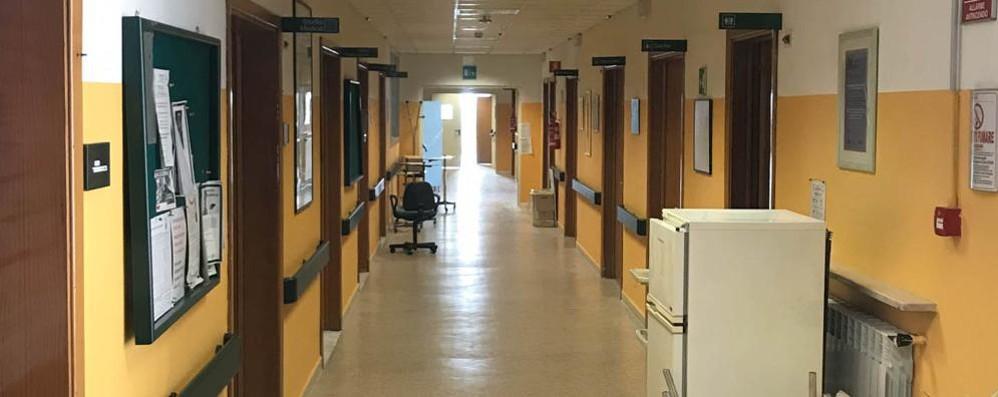 Manca il personale, il reparto di oncologia resta chiuso