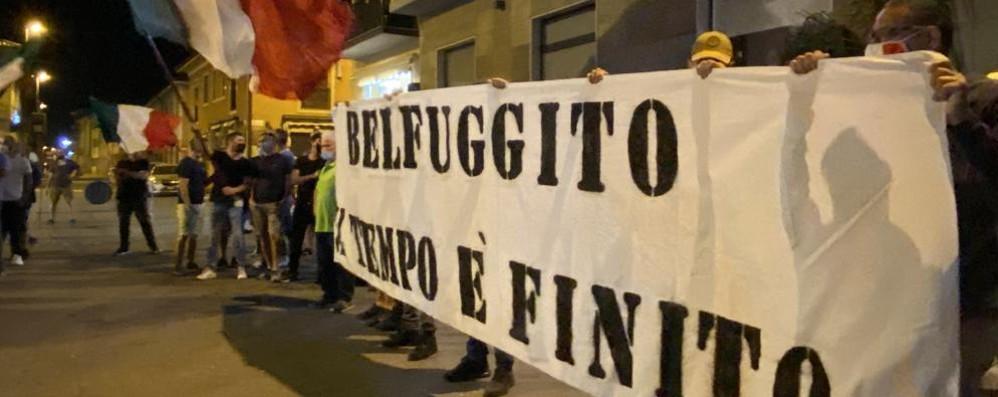 SANT'ANGELO Fratelli d'Italia in piazza per lo sgombero di Belfuggito