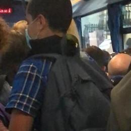 Sul pullman Line da Codogno a Piacenza il distanziamento è un optional