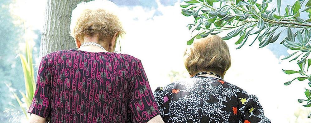 """Anziane con la febbre """"abbandonate"""": «Stiamo sbagliando come prima»"""