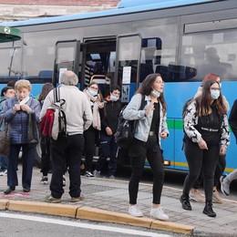 """Bus, le famiglie protestano ma non c'è accordo sull'abbonamento """"5 giorni"""""""