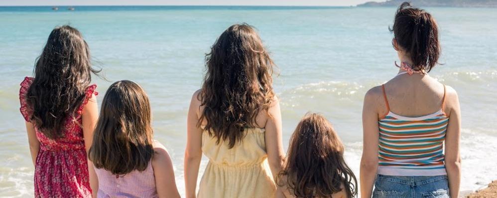 Venezia 77, la coinvolgente storia delle sorelle di Emma Dante