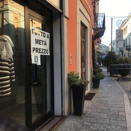 Lombardia in zona rossa, i negozianti non ci stanno