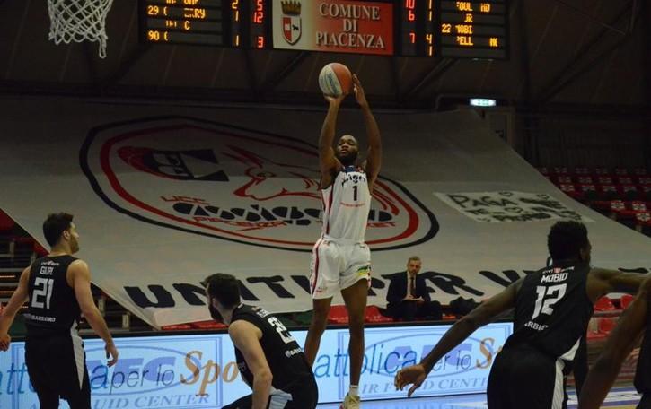 Basket, l'Assigeco infila la sesta vittoria consecutiva