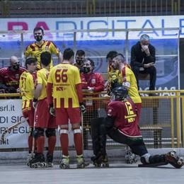 Hockey, l'Amatori vince il derby ed è campione d'inverno