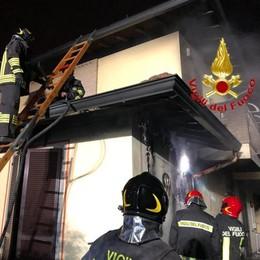 Incendio nella notte a San'Angelo
