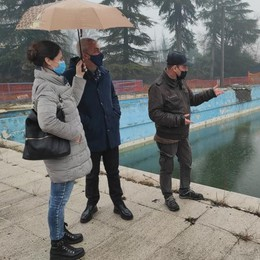 Lodi, sopralluogo alla piscina Ferrabini