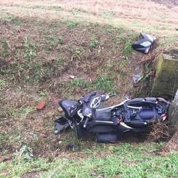 Anche uno scooter nel fosso tra Borgo e Lodi Vecchio